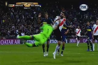 El penal que no le pitaron a River en el Santiago Bernabéu