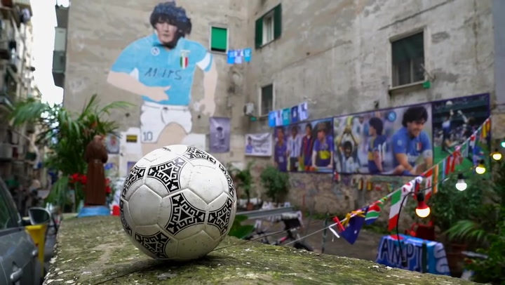 ¡Un último adiós! La pelota se despidió de Maradona