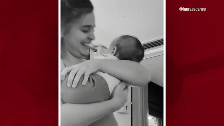 Laura Escanes se derrite con la risa contagiosa de su hija Roma