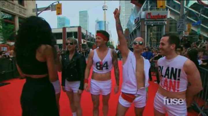 Simple Plan on the Red Carpet - MMVA Extra