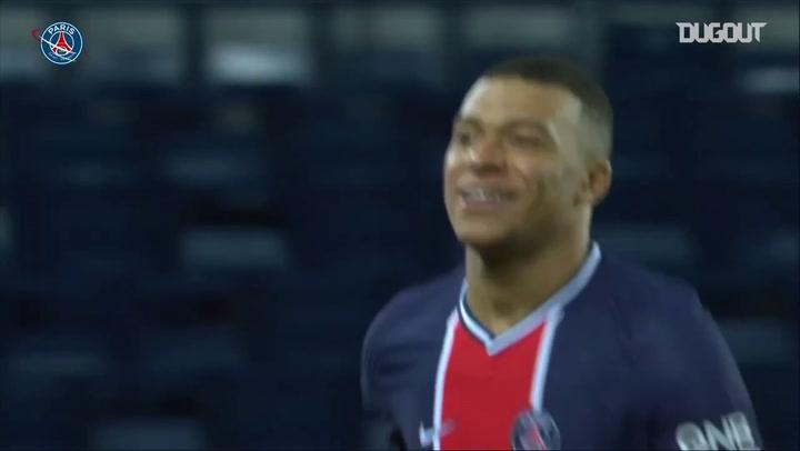 Golaço de Mbappé pelo PSG contra o Nimes