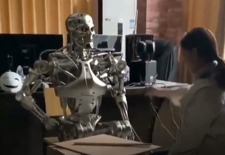 Mira lo que pasa cuando un robot se rebota