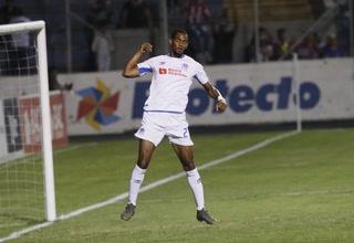 ¡Gracias a las tres 'B'! Olimpia golea a UPNFM y acaricia el campeonísimo del Apertura
