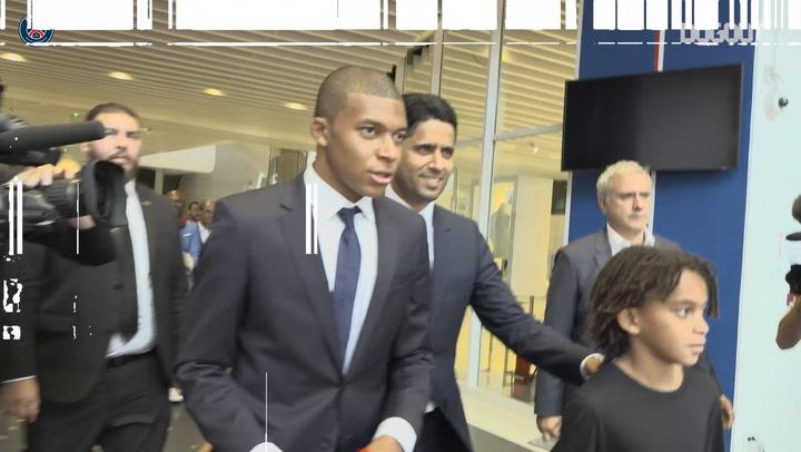 Mbappé Meets Les Parisiens