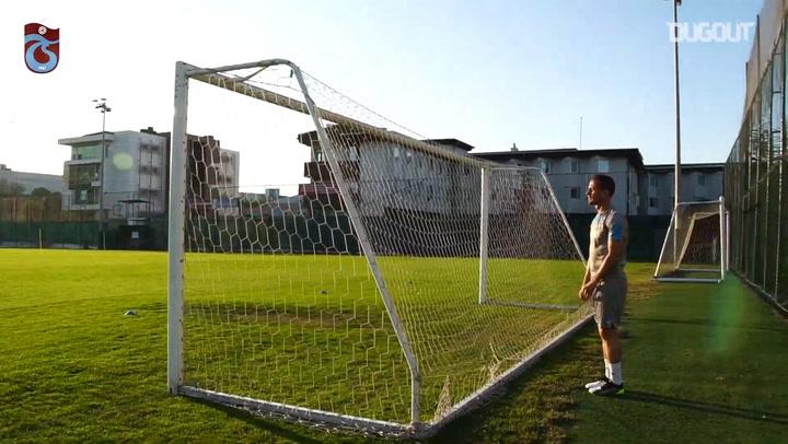 João Pereira Kale Arkasından Gol Atmaya Çalıştı