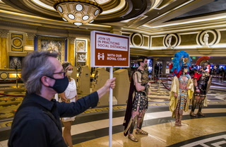 Caesars and Sands say they will fire workers for not wearing a mask – VIDEO