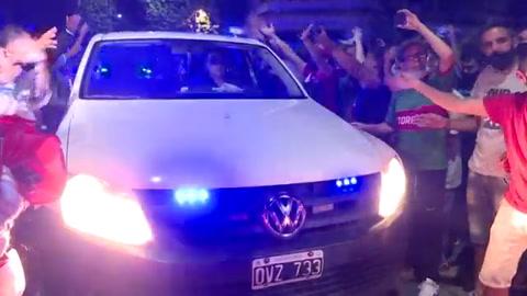 Restos de Maradona llegan a Casa de Gobierno argentina para velatorio