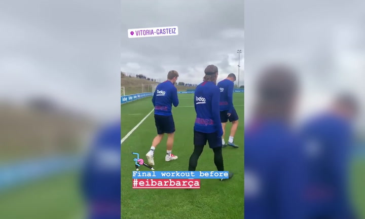 El Barça se entrena en la Ciudad Deportiva del Alavés