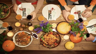 5 Hacks for Hosting a Successful Thanksgiving
