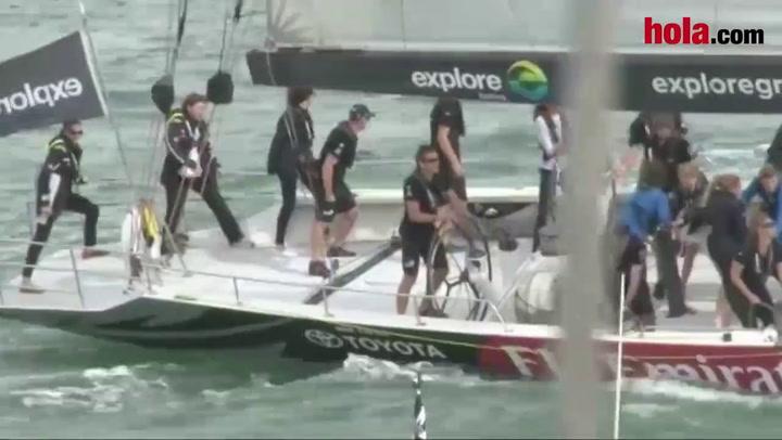 La Duquesa de Cambridge muestra sus dotes de marinera en aguas de Nueva Zelanda