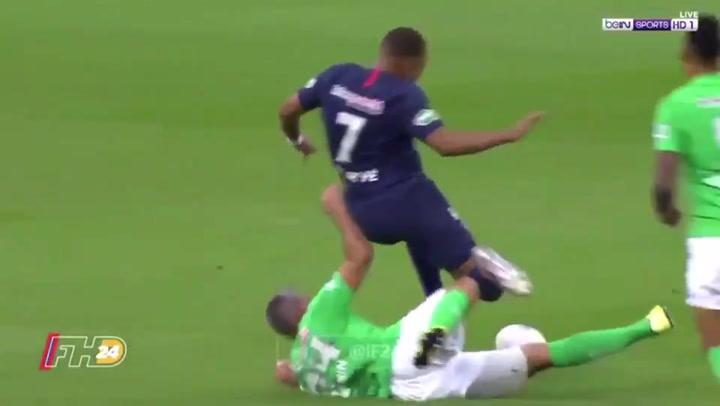Mbappé cayó lesionado tras una terrible entrada de un rival en la final de la Copa francesa