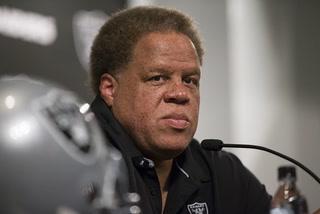 Vegas Nation: Raiders looking to keep key veterans