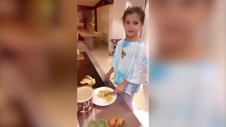 El método de Wanda Nara para entretener a sus hijas