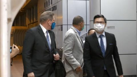 Masivo apoyo de hongkoneses a diario prodemocracia cuyo dueño fue liberado