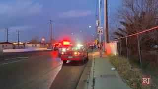 Las Vegas police handcuff inattentive driver – VIDEO