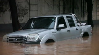 Lluvias torrenciales inundan calles de Rio de Janeiro