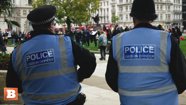 Police Stand and Watch BLM Protest in London Despite Lockdown Restrictions