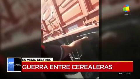 Paro de transportistas: así atacan a un camión que no participa de la protesta