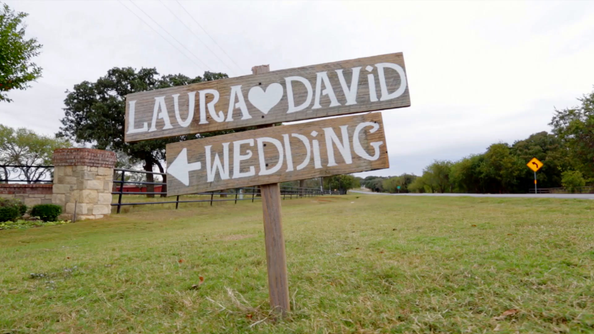 Laura + David | Mansfield, Texas | Classic Oaks Ranch