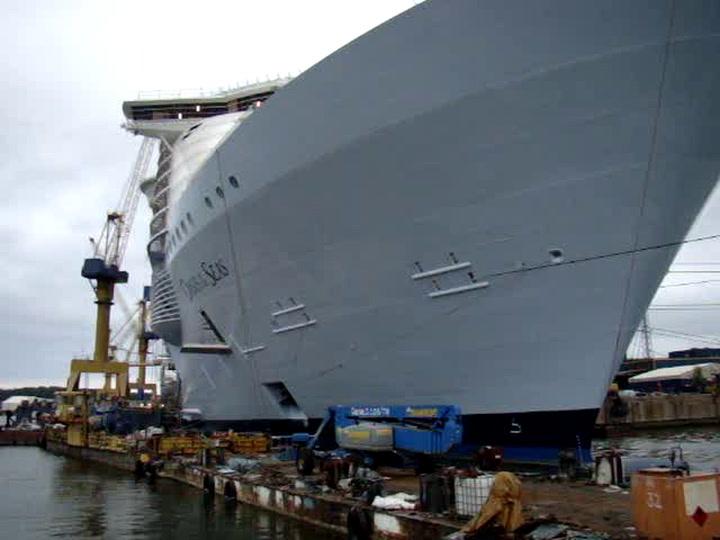 Oasis Of The Seas Ship Tour - Ship Exterior
