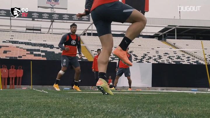 Colo-Colo play futnet in training