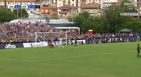 Cristiano Ronaldo anota su primer gol con la camiseta de la Juventus