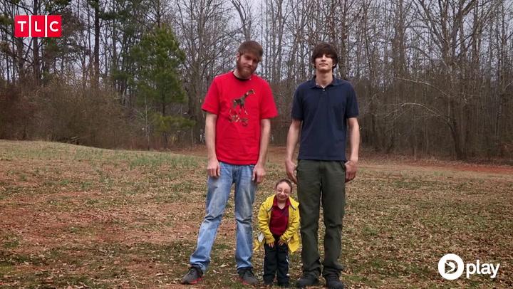 Verdens mindste storebror: Mød mini-manden Nick