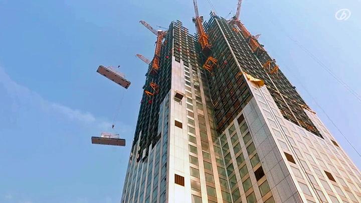 Se skyskraperen bli til i rekordfart