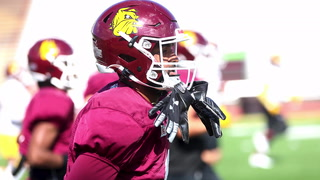 UMD senior wide receiver Armani Carmickle prepares for a warm-up drill during practice at Malosky Stadium Tuesday, Sept. 21, 2021. Dan Williamson / Duluth News Tribune