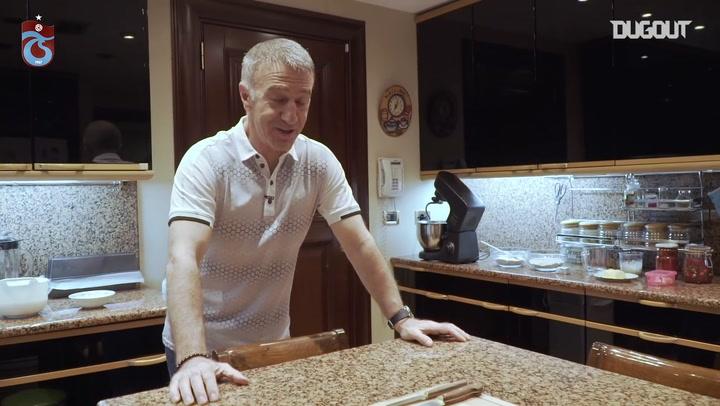 Başkan Ahmet Ağaoğlu Mutfakta Hünerlerini Sergiledi