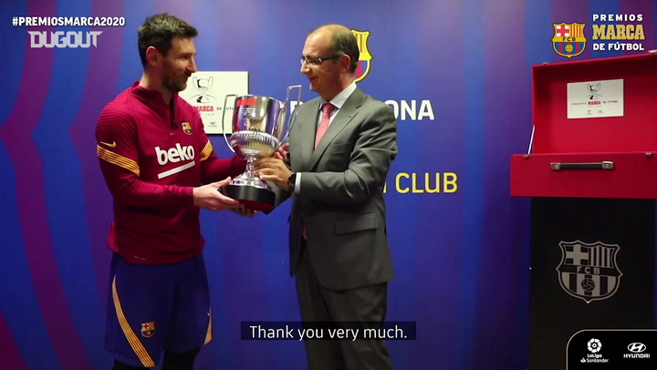 Leo Messi receives the Pichichi 2019-20 award