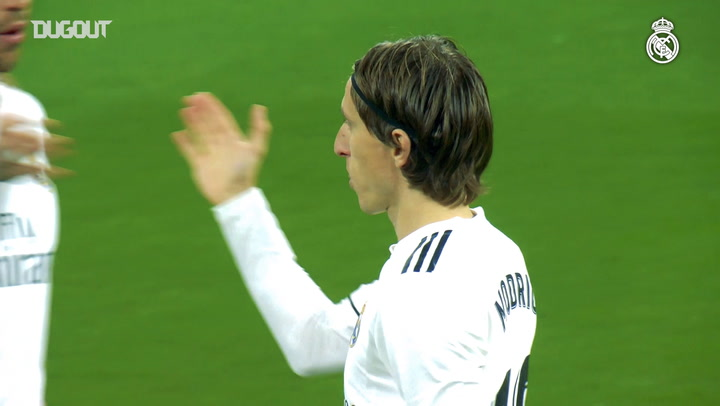 Luka Modric Shares His Ballon D'Or With Real Madrid Fans At The Bernabéu