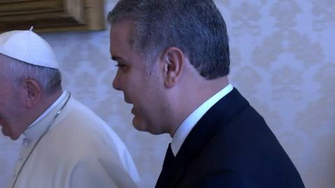 Papa invita a Duque a unir a los colombianos y superar división