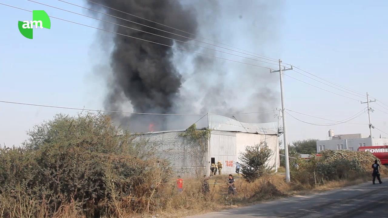 Sufren dos quemaduras graves en incendio de fábrica