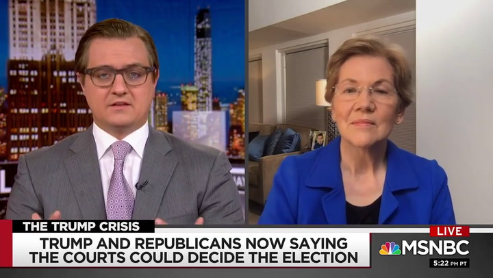 Elizabeth Warren: Donald Trump Is 'Flirting With Treason'
