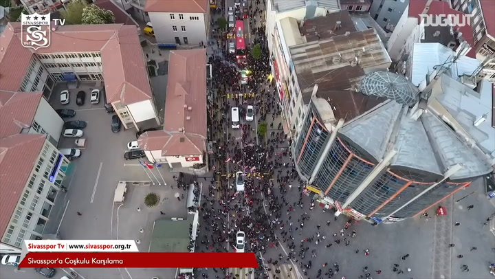 Sivasspor fans gives the team an amazing reception!