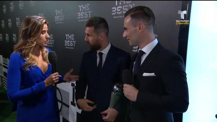 Messi no oculta su emoción de poder compartir el premio con sus hijos