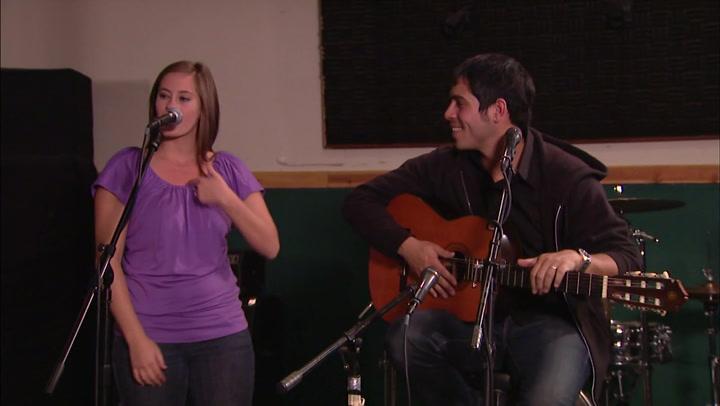 Elle and Tito Live