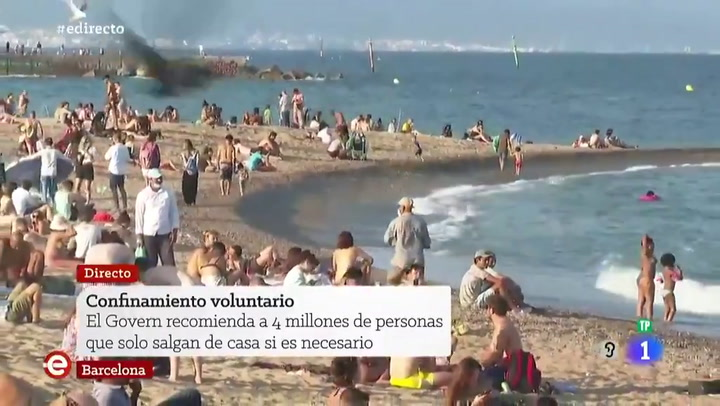 Así estan las playas de Barcelona a pesar de las recomendaciones de no acudir a ellas