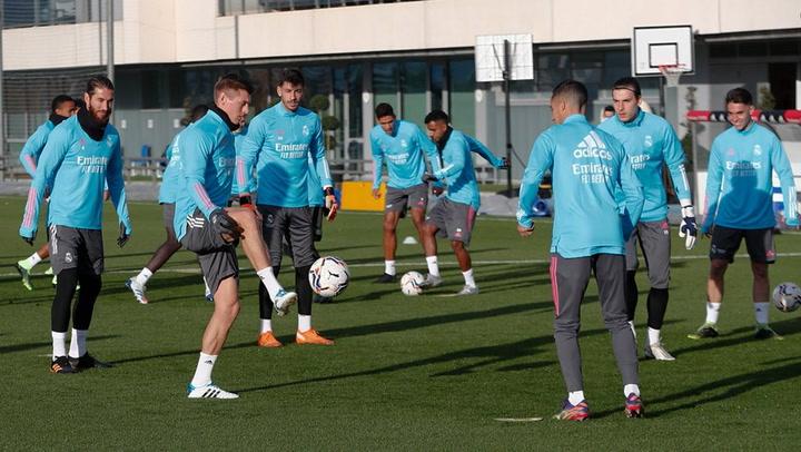 Último entrenamiento del Real Madrid antes de visitar al Sevilla