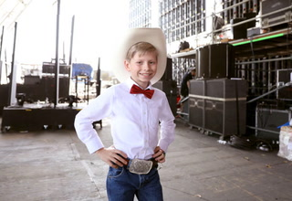 Yodeling Boy Mason Ramsey Signs With Atlantic Records, Debuts First Single
