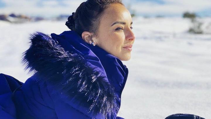 La divertida tarde de risas y caídas en la nieve de Chenoa y Natalia