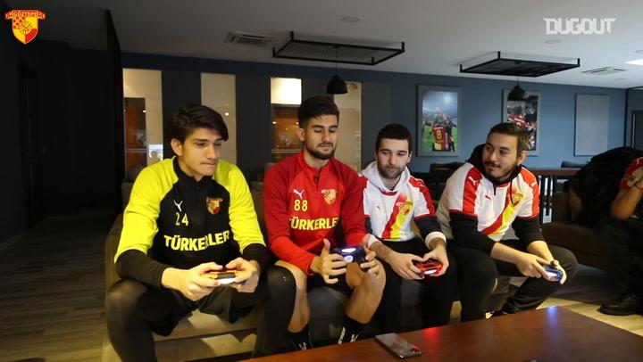 Soner Aydoğdu ve Eren Bilen, Göztepe Gaming'e Karşı FIFA 20 Oynadı