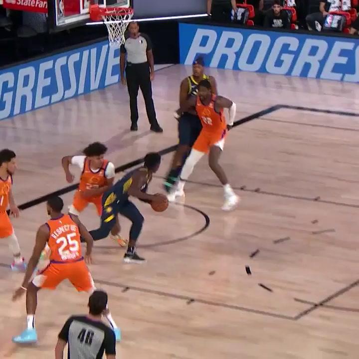 Los Suns de Ricky siguen en racha: Booker y Ayton lideran la victoria ante Indiana