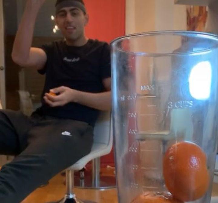 Kerem Kanter, jugador del Joventut, todo un experto en encestar mandarinas
