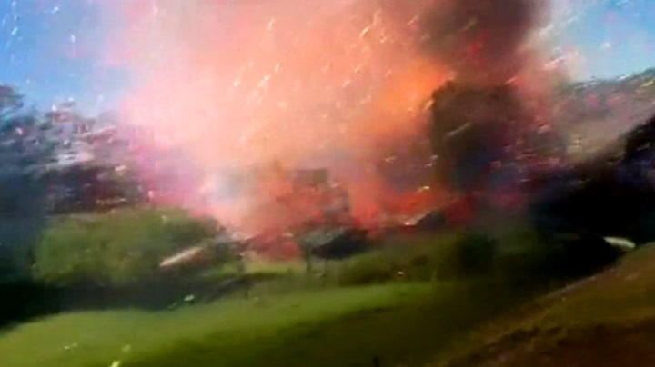 Kaboom! Blåst i bakken av fyrverkerieksplosjon