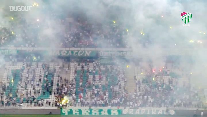 Bursaspor Play-off Öncesi Taraftarları Önünde Antrenman Yaptı