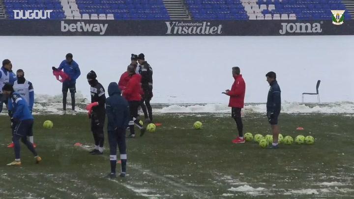 Snowball fight in Leganés training