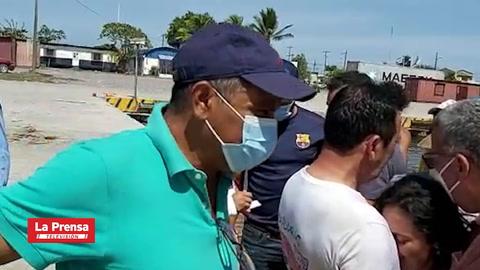 Rescatan a diez turistas hondureños que naufragaron en el mar Caribe