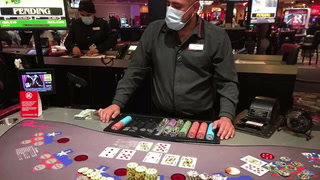 Two Las Vegas visitors win mega progressive jackpots – VIDEO
